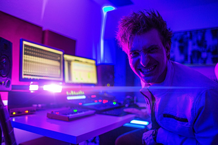 Dom Rivinius Mixing Engineer Music Producer Studio